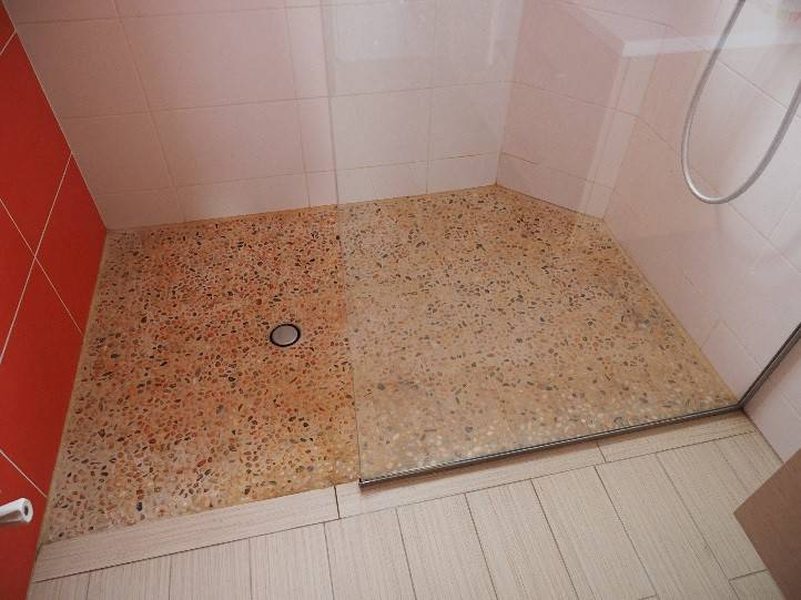 Tanch it de r sine sous carrelage de cuisine douche for Etancheite sous carrelage